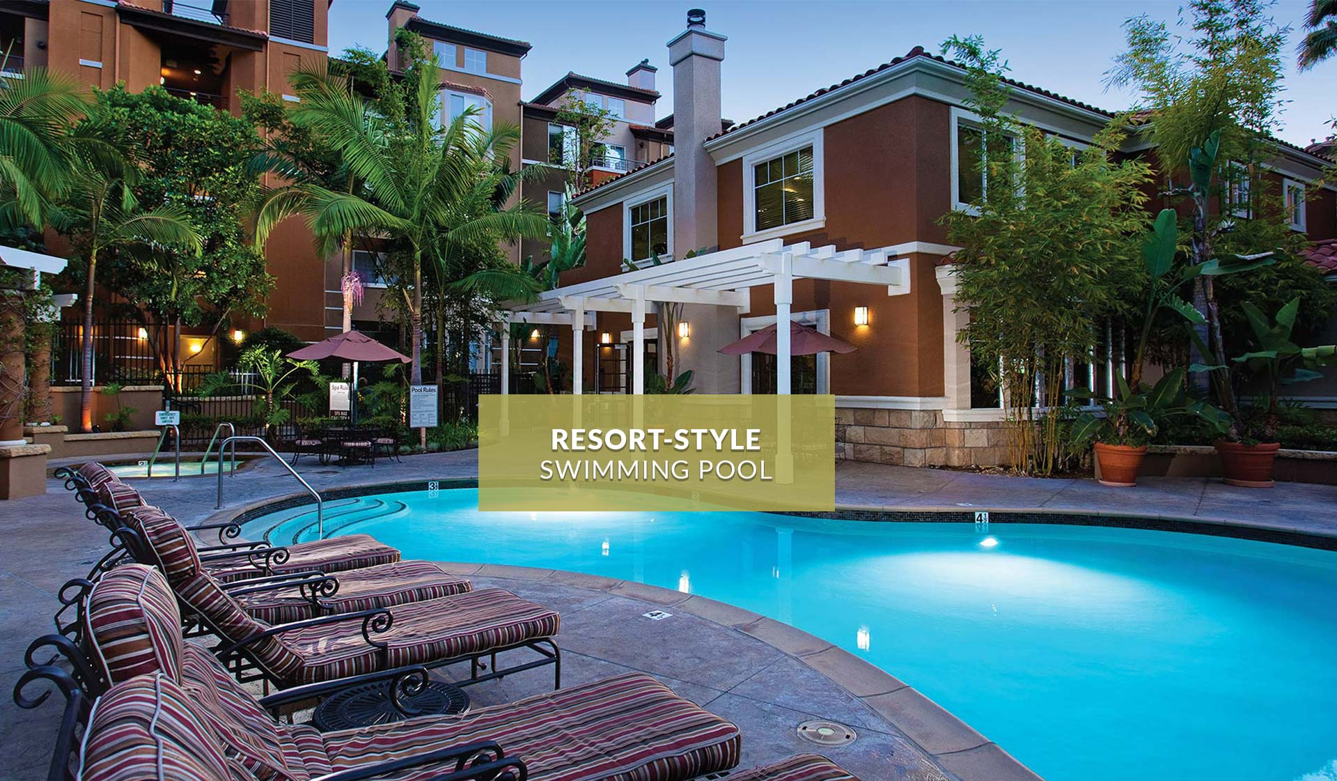 Villas at Park La Brea Apartments | Swimming Pool